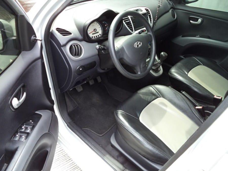 2008 Hyundai Getz - Interior Front View