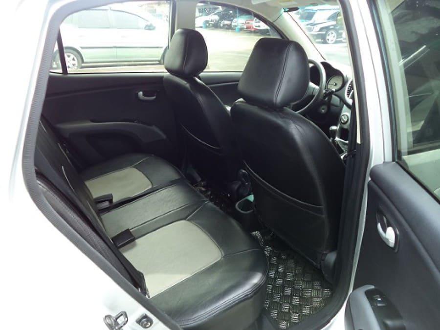 2008 Hyundai Getz - Interior Rear View
