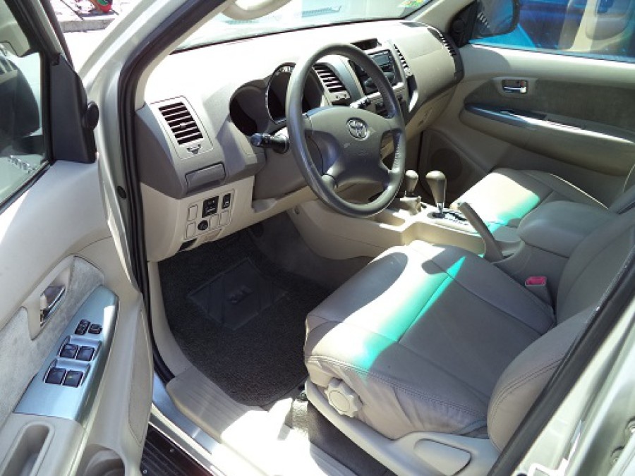 2005 Toyota Fortuner - Interior Front View