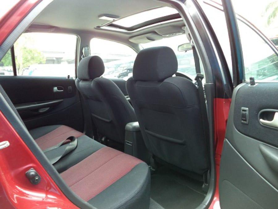 2005 Ford Lynx - Interior Rear View