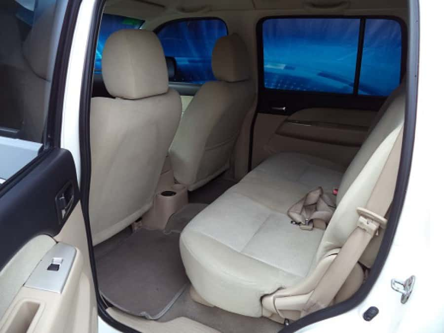 2007 Ford Everest - Interior Rear View