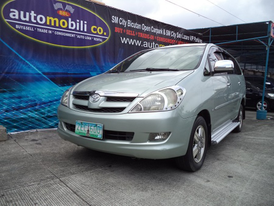 2006 Toyota Innova G - Front View