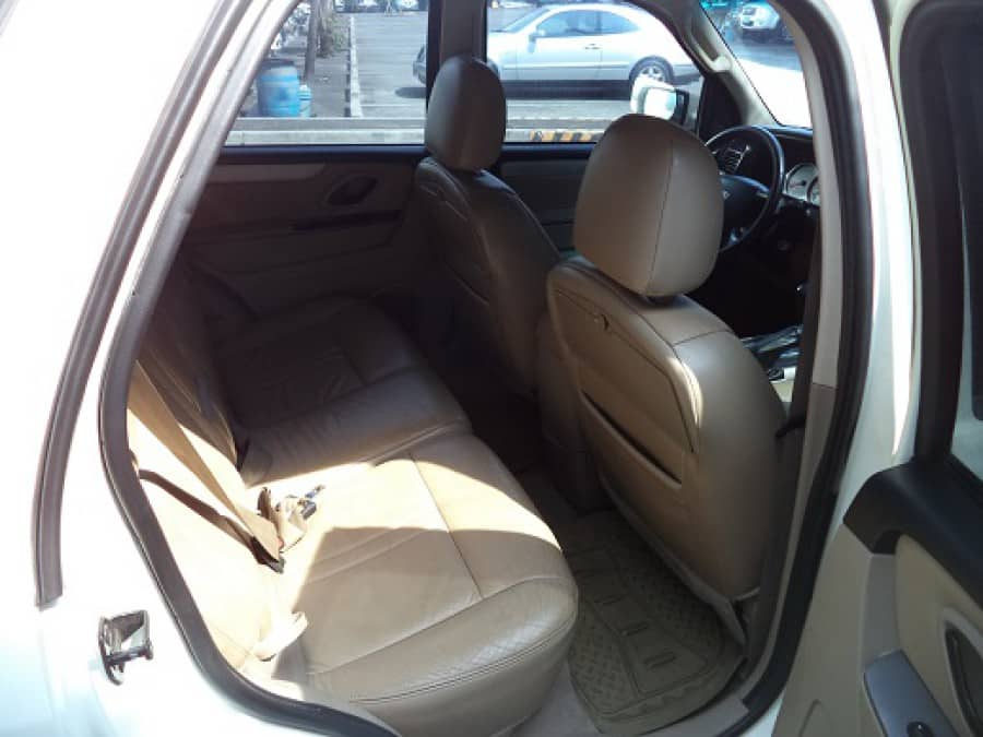 2010 Ford Escape - Interior Rear View