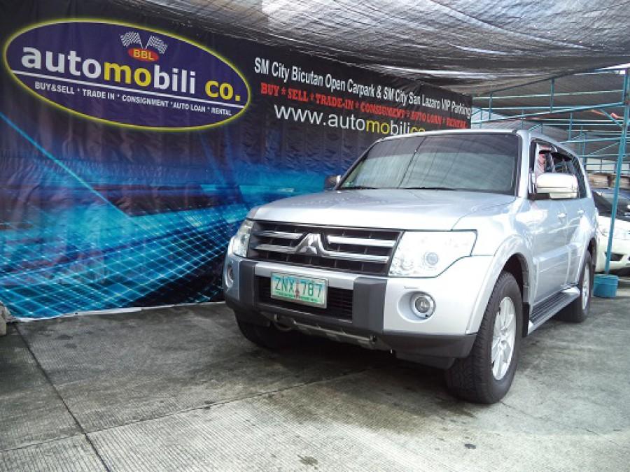 2008 Mitsubishi Pajero - Front View