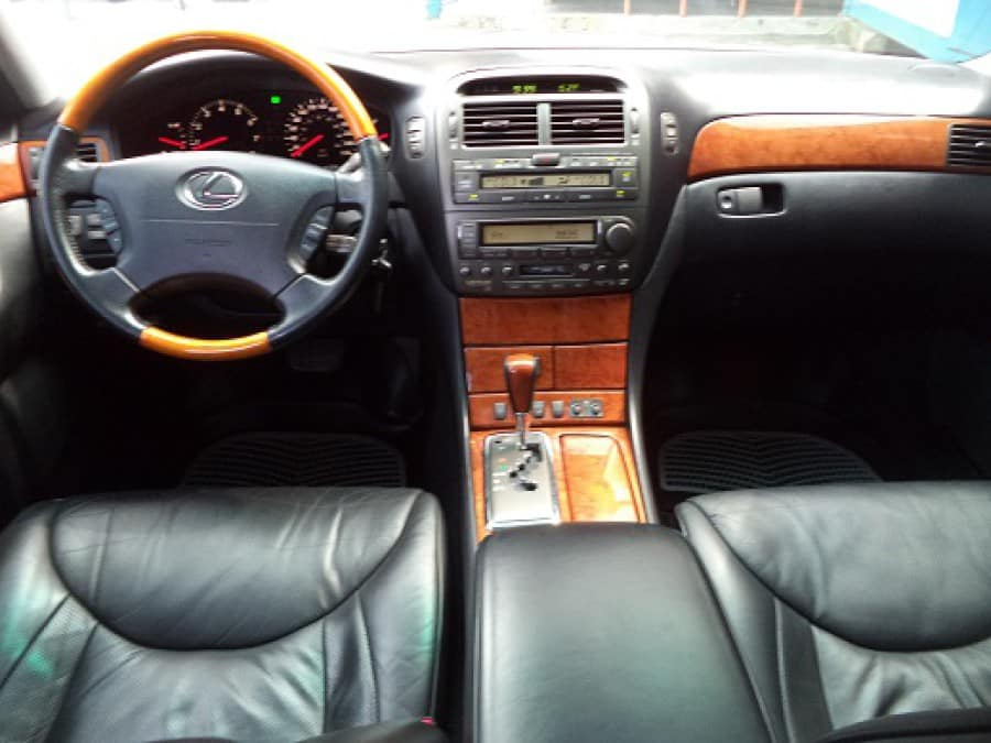 2001 Lexus LS 430 - Interior Front View