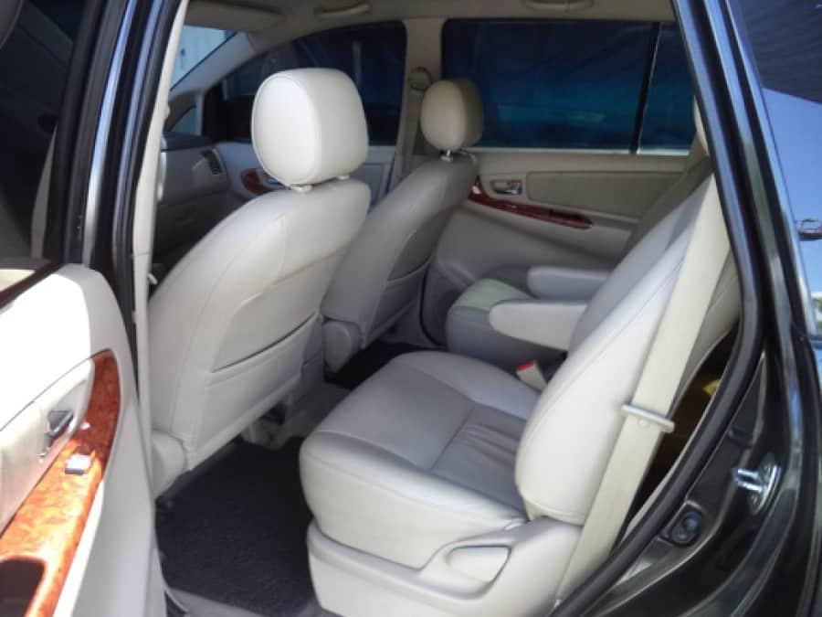 2009 Toyota Innova V - Interior Rear View