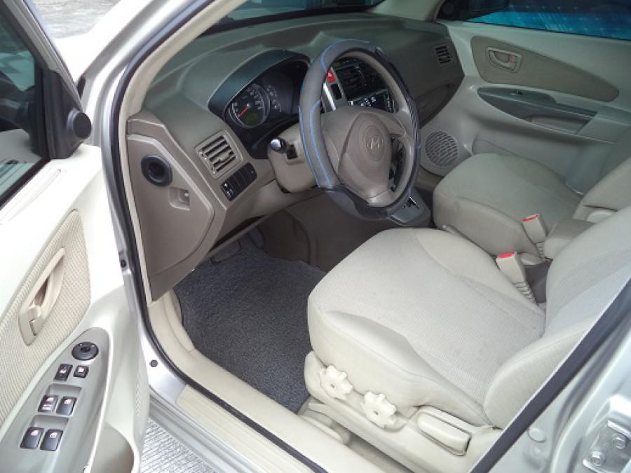 2006 Hyundai Tucson - Interior Front View