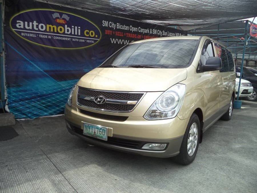 2009 Hyundai Starex - Front View