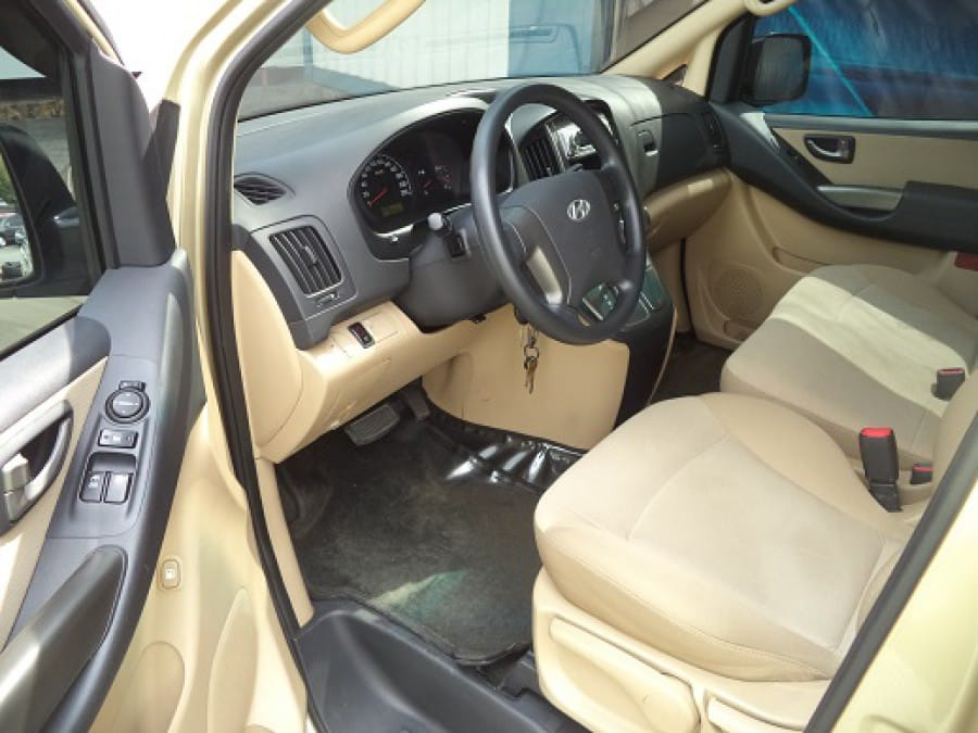 2009 Hyundai Starex - Interior Front View