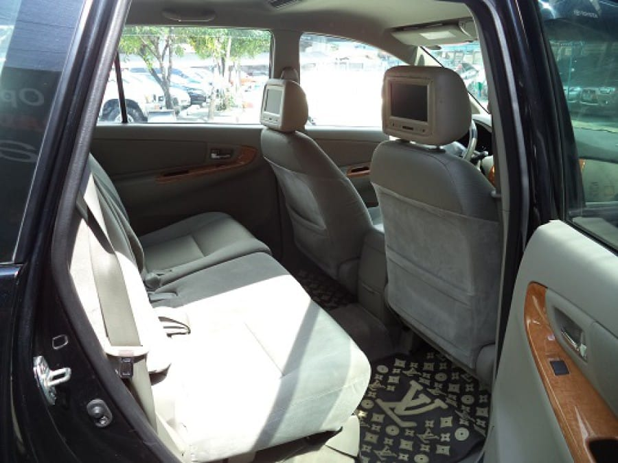 2011 Toyota Innova G - Interior Rear View