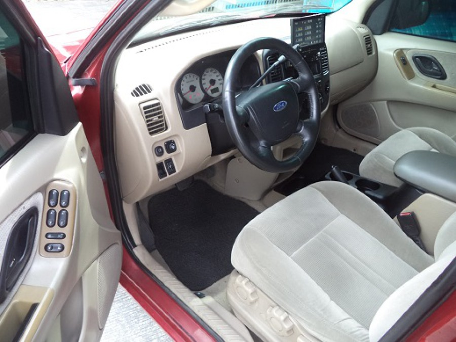 2004 Ford Escape - Interior Front View