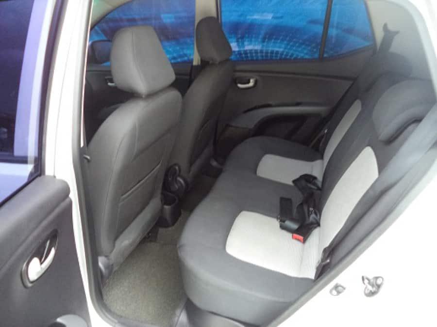 2009 Hyundai Getz - Interior Rear View