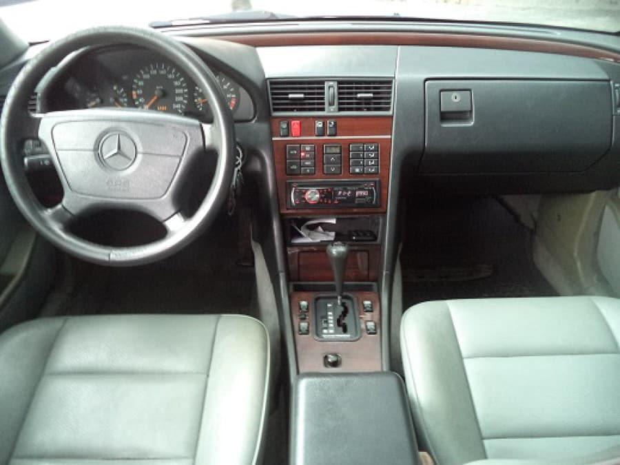 1986 Mercedes-Benz C36 - Interior Front View