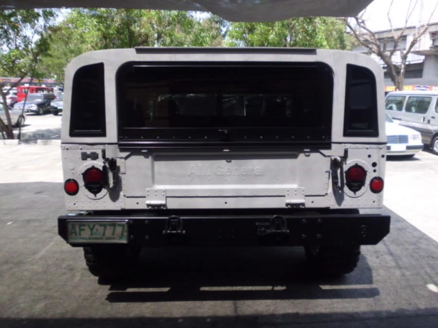 2000 Hummer H1 - Rear View