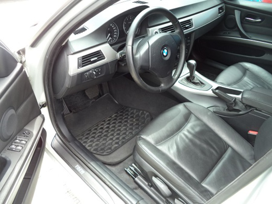 2005 BMW 320 - Interior Front View