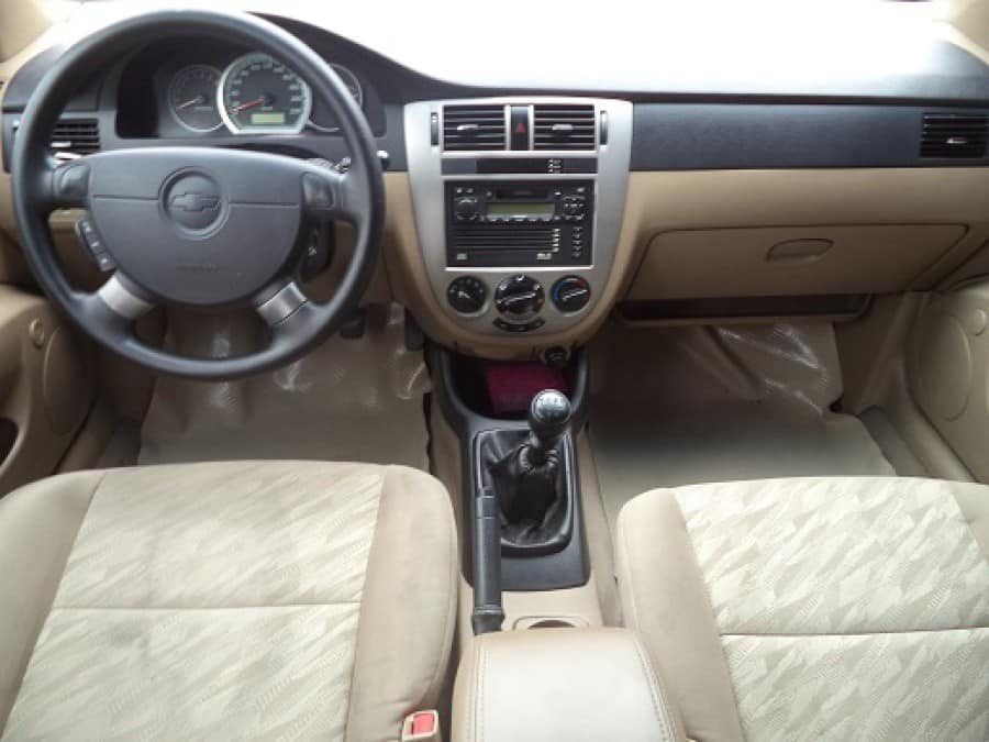 2006 Chevrolet Optra - Interior Front View