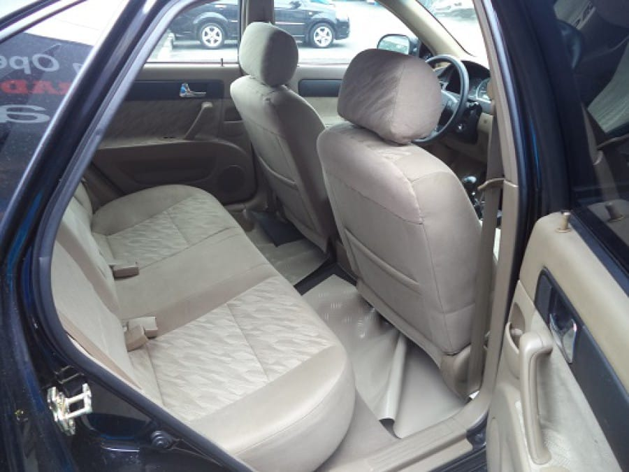 2006 Chevrolet Optra - Interior Rear View