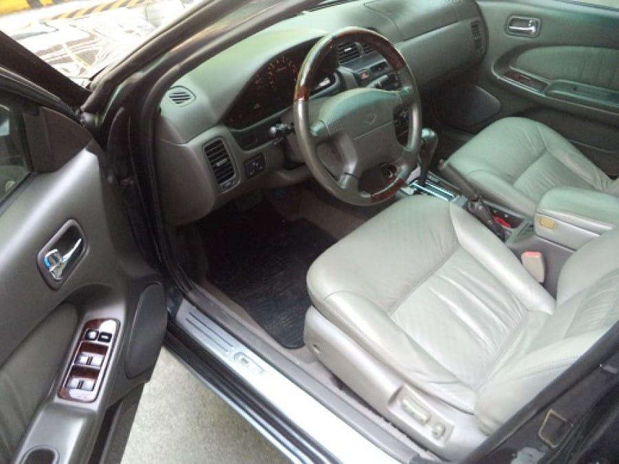 2001 Nissan Cefiro Brougham - Interior Front View