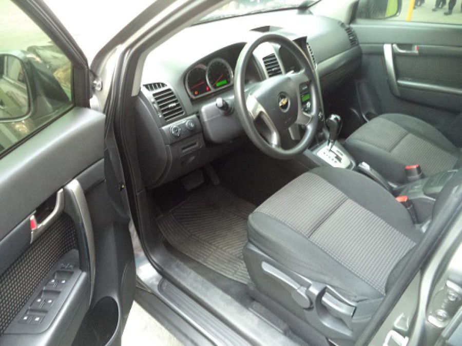 2009 Chevrolet Captiva - Interior Front View