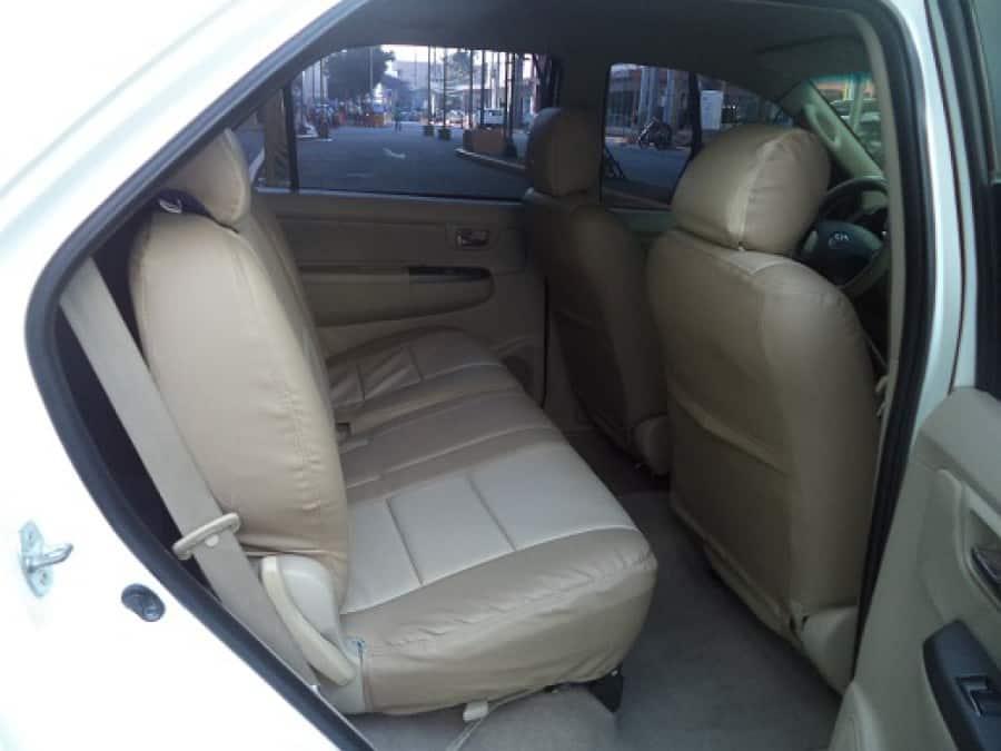 2007 Toyota Fortuner - Interior Rear View