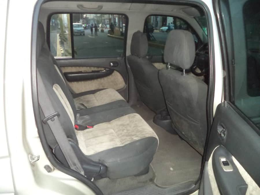 2005 Ford Everest - Interior Rear View