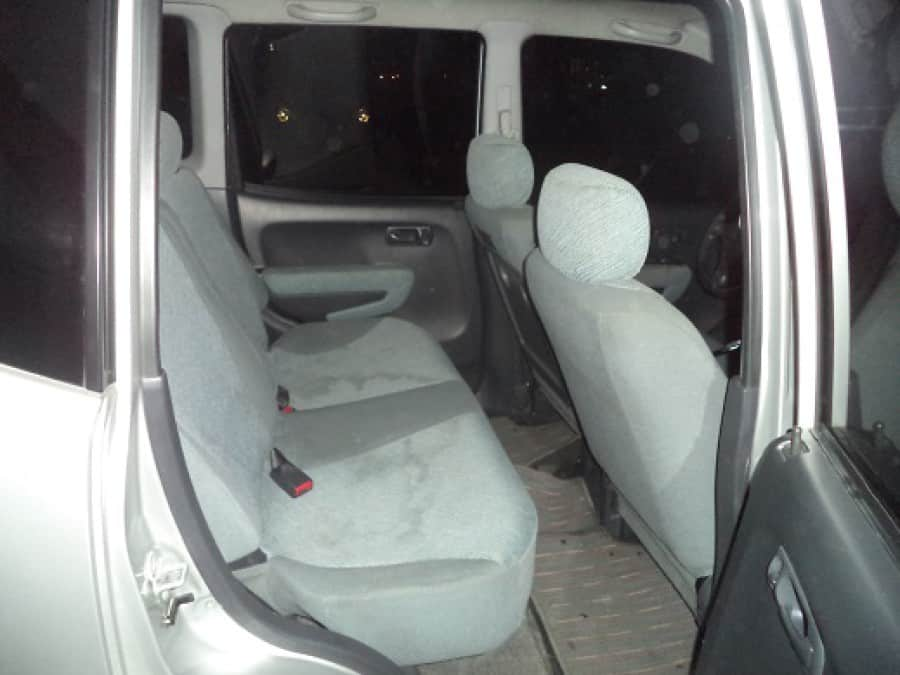 1999 Honda Fit - Interior Rear View