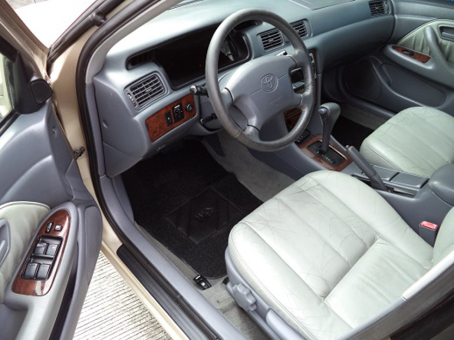 2001 Toyota Camry - Interior Front View