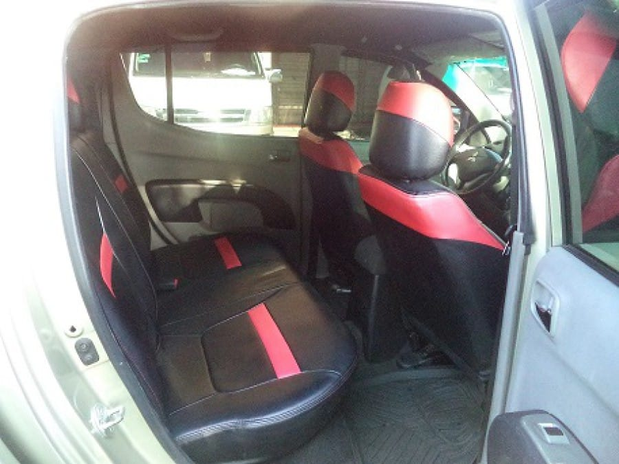 2010 Mitsubishi Strada - Interior Rear View