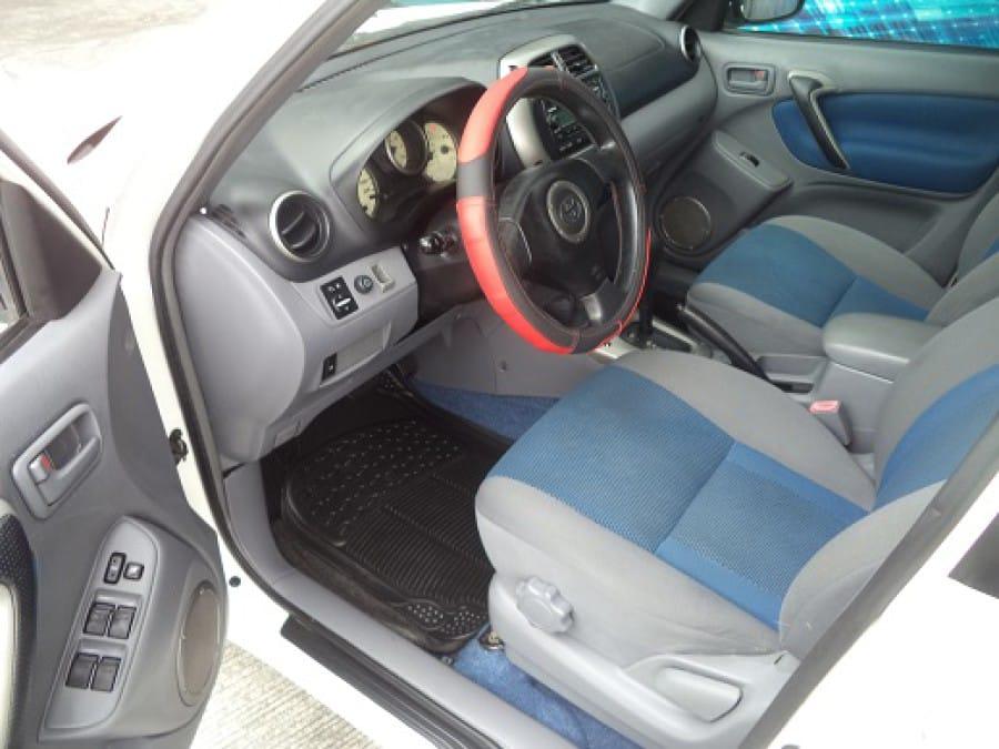 2002 Toyota RAV4 - Interior Front View