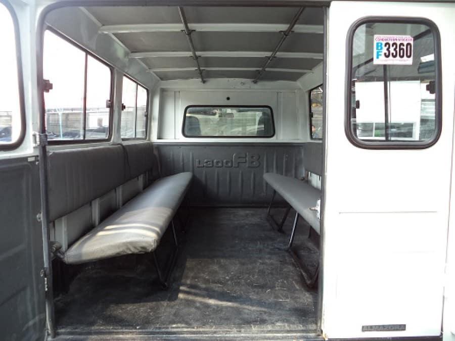 2007 Mitsubishi L300 - Interior Rear View