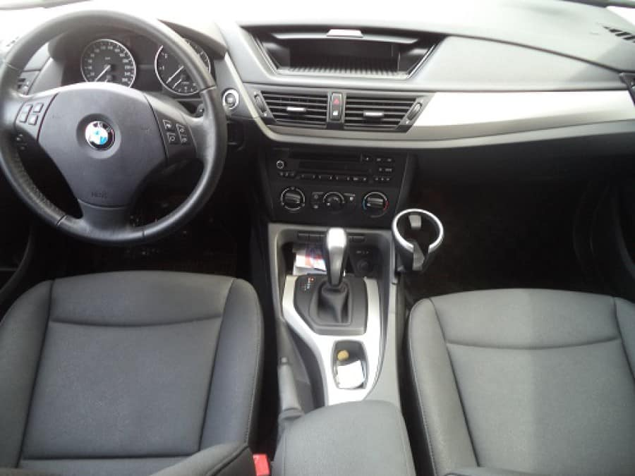 2011 BMW 1 Series - Interior Front View