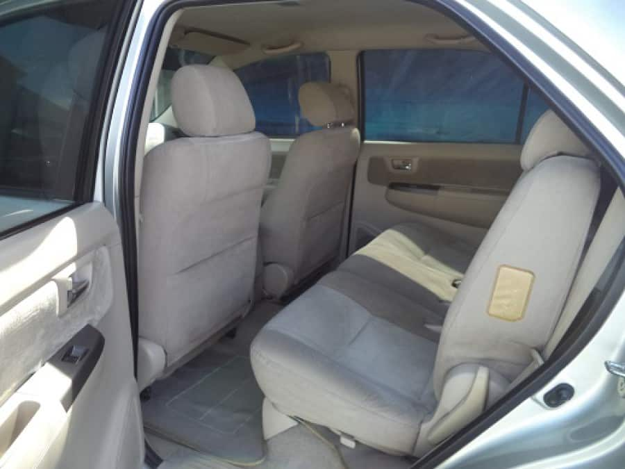 2005 Toyota Fortuner - Interior Rear View