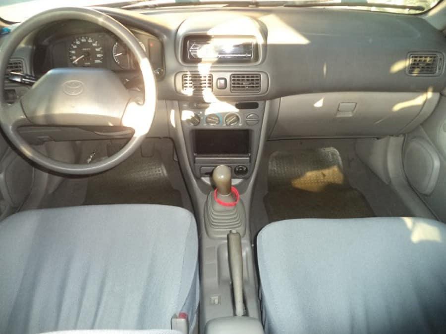 2004 Toyota Corolla - Interior Front View