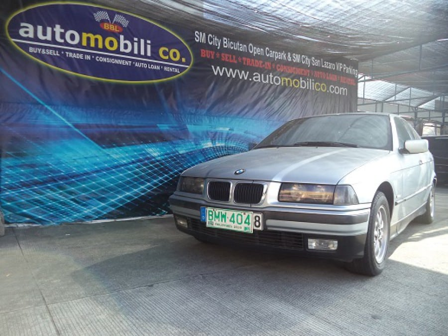 1998 BMW 316i - Front View