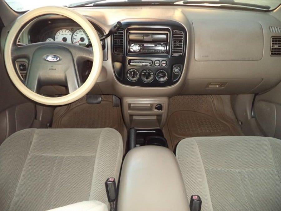 2004 Ford Escape - Interior Front View