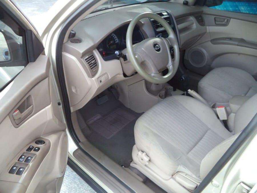 2009 Kia Sportage - Interior Front View