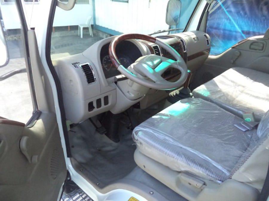 2010 Isuzu Pickup - Interior Front View