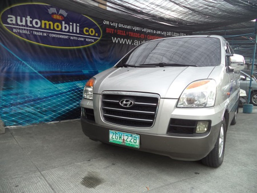 2007 Hyundai Starex - Front View