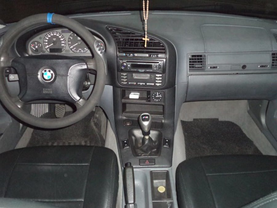 1999 BMW 316i - Interior Front View