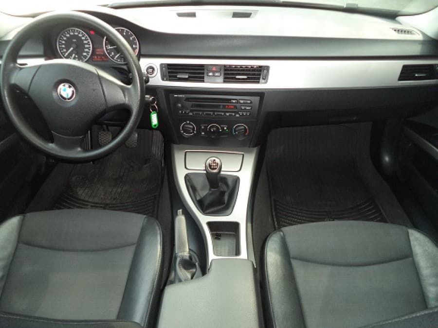 2007 BMW 316i - Interior Front View