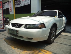 2002 Ford Mustang - Front View