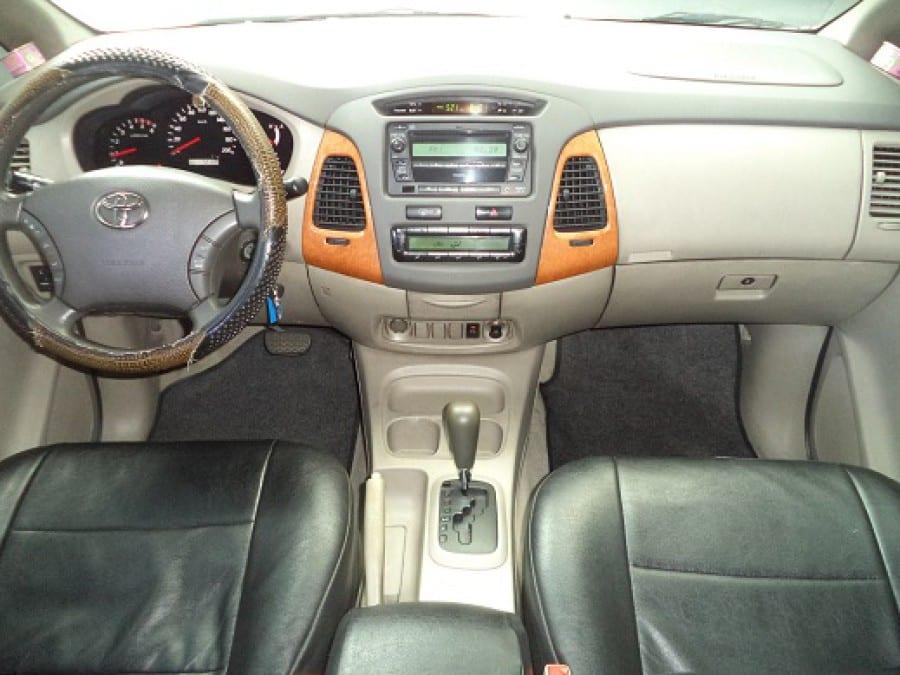 2009 Toyota Innova G - Interior Front View