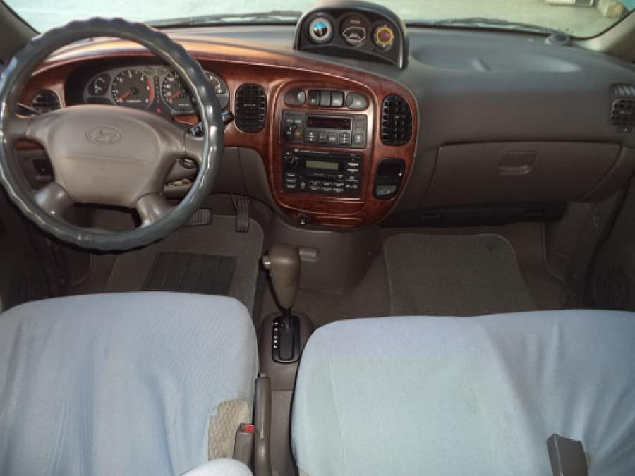 2003 Hyundai Starex - Interior Front View