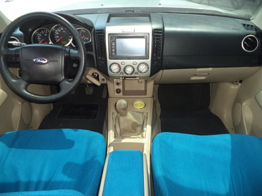2011 Ford Everest - Interior Front View