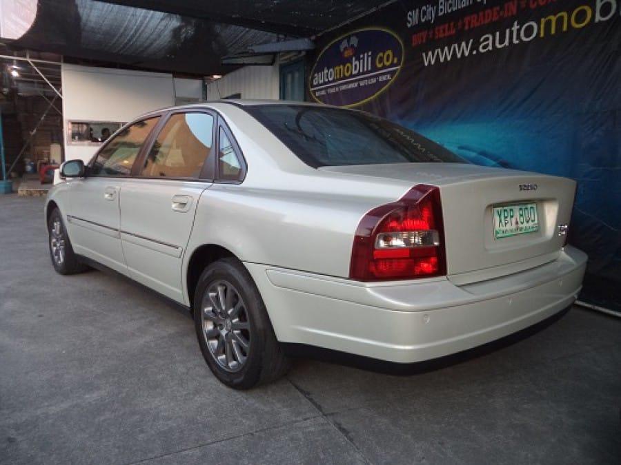 2004 Volvo S80 - Interior Rear View