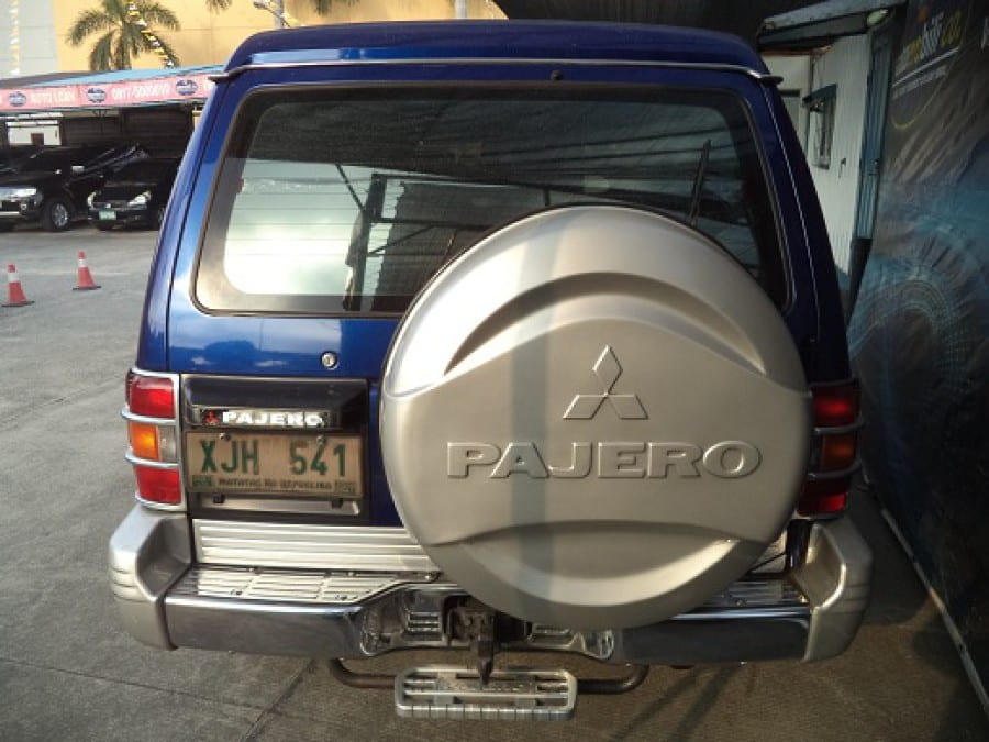 2003 Mitsubishi Pajero - Interior Rear View