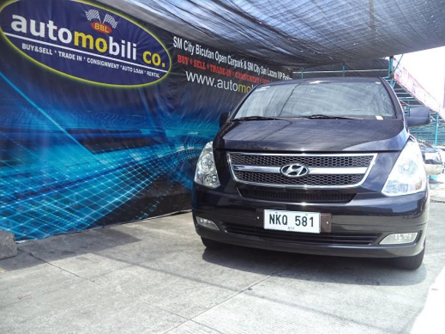2010 Hyundai Starex - Front View