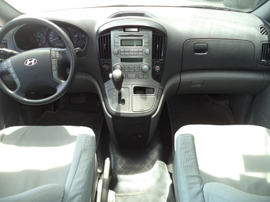 2010 Hyundai Starex - Interior Front View