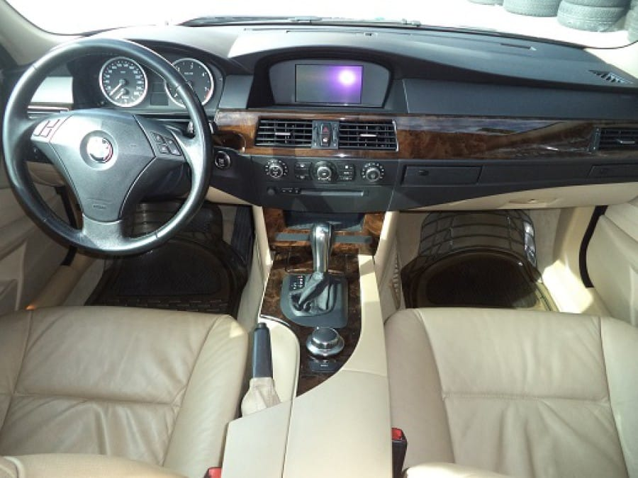 2006 BMW 5 Series - Interior Front View