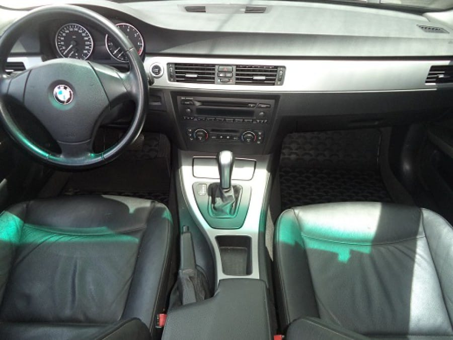 2006 BMW 320 - Interior Front View